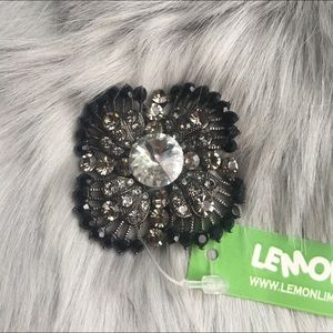 *NEW WITH TAG* Black brooche with crystal